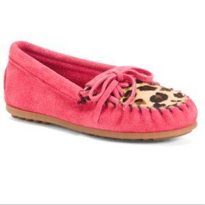NIB Minnetonka Leopard Kilty Hot Pink